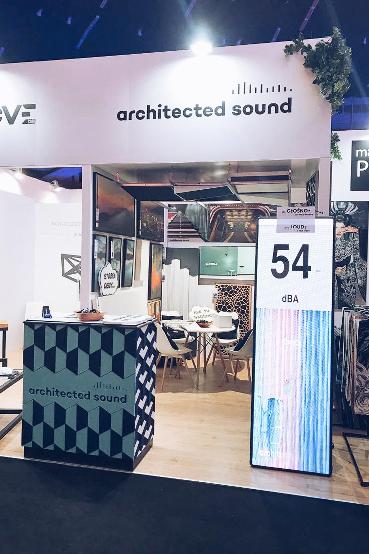 Stoisko Architected Sound na targach 4 Design Days z panelami akustycznymi Architected Sound