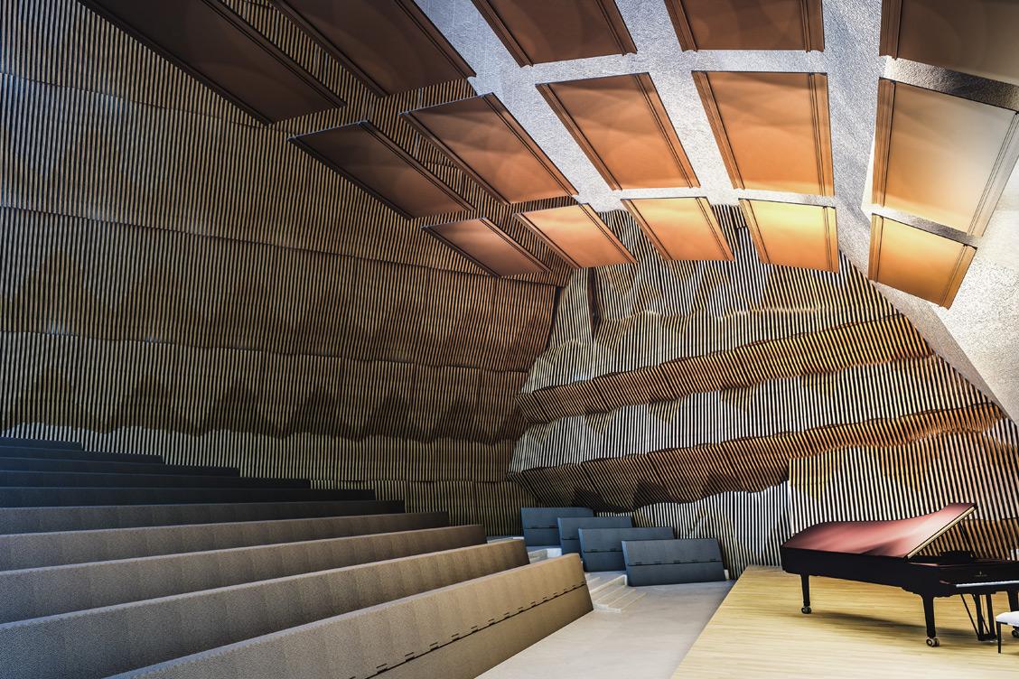 Wizualizacja sali koncertowej w filharmonii, w której zastosowano panel akustyczny odbijający Reffuzor