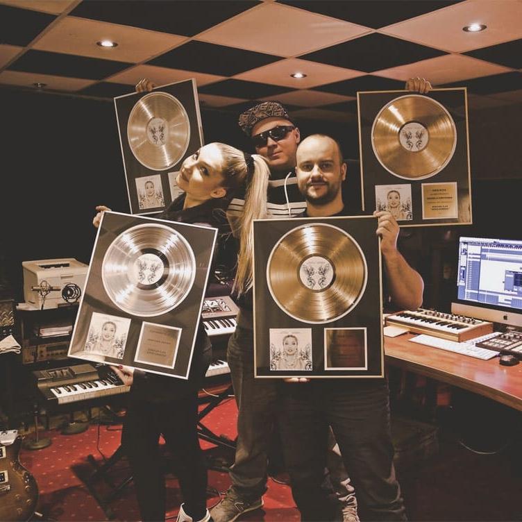 Donatan i Cleo oraz Jarosław JARO Baran w studio nagraniowym Architected Sound