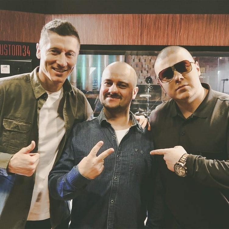 Donatan, Robert Lewandowski i Jarosław JARO Baran w studio nagraniowym Architected Sound