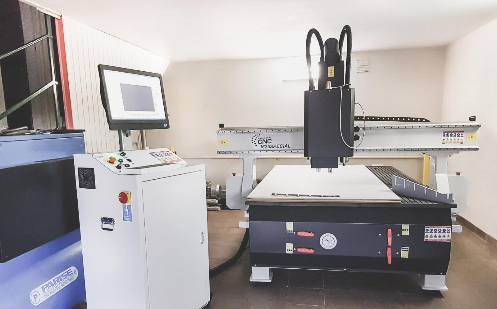 Pracownia Architected Sound z maszyną CNC